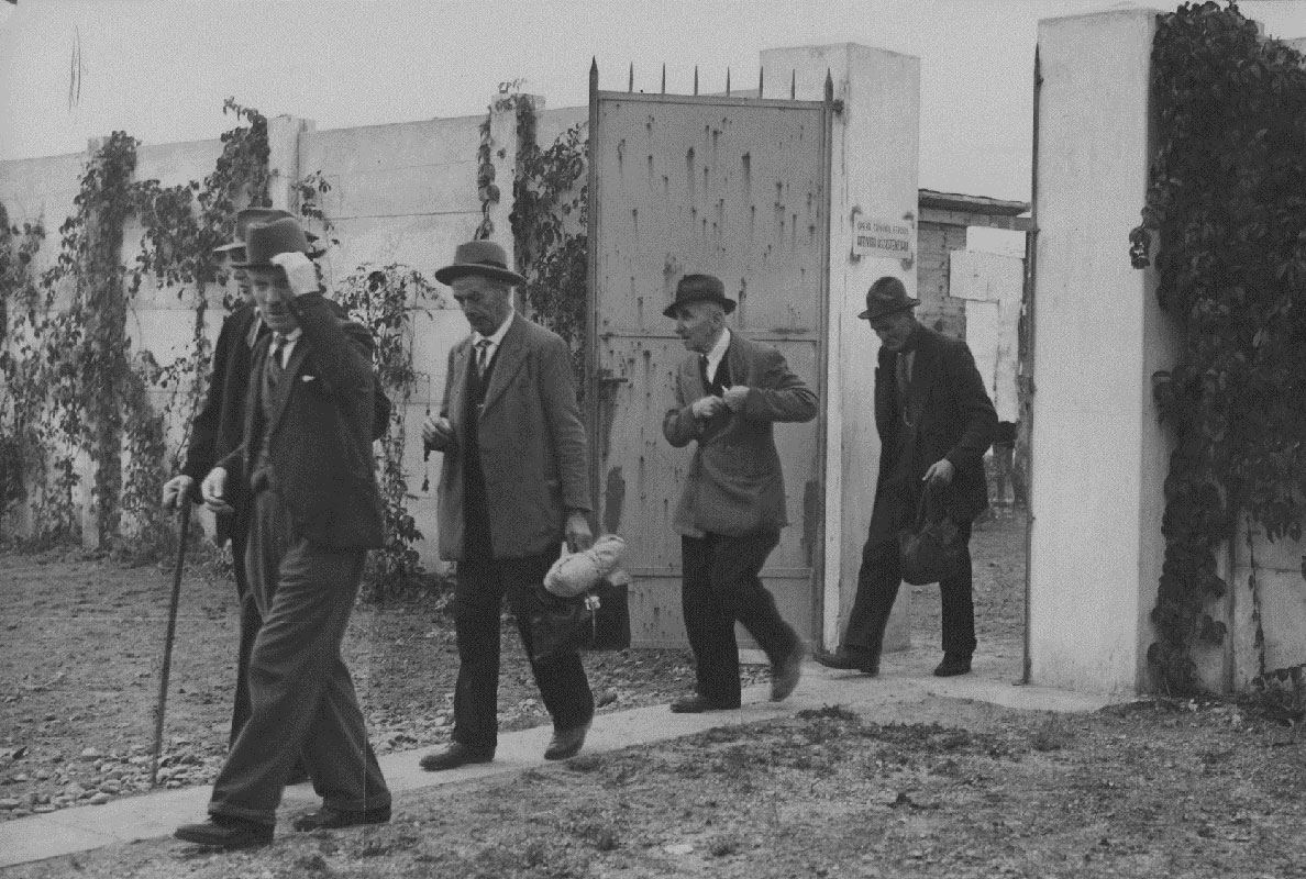 storica-uomini-ingresso